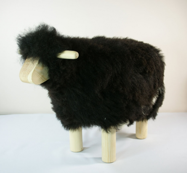 mouton tabouret hauteur 40 cm en peau naturelle chez sable et jasmin. Black Bedroom Furniture Sets. Home Design Ideas